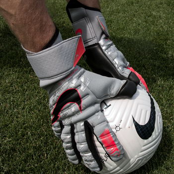 NIKE Phantom Gloves