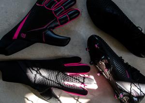 adidas Dark Motion gloves