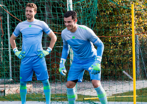 Varan6 Invincible goalkeeper gloves